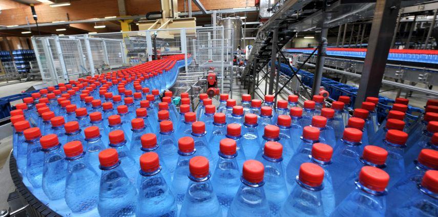 Förstina Sprudel investiert rund sieben Millionen Euro in eine weitere Abfüllanlage am Unternehmenssitz in Eichenzell-Lütter.  Foto: Förstina